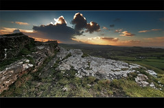 Cennen Landscape (Sean Bolton (no longer active)) Tags: castle field rock wales landscape carmarthenshire cymru ruin fortification fortress blackmountain wfc carregcennen llandeilo cadw dyfed seanbolton welshflickrcymru ffotocymrucouk ffotocymru greatbritishlandscape deheubarth castellfarm