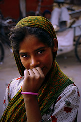 Jaipur Girl (natemeg2006) Tags: portrait india green scarf interestingness nikon magenta fuchsia jaipur cerise rajasthan bashful timid interestingness14 natemeg d80 abigfave nikond80
