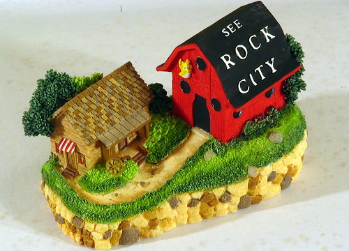 Mini Rock City barn #2