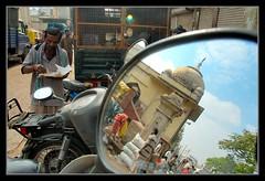 RussellMarket (lighttripper) Tags: india russell market bangalore markets karnataka bws bangaloreweekendshoots artlibre lptransport russelmarket04032007 lighttripperref bpcprofile bengalurumandis