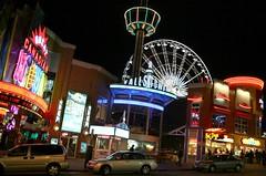 Niagara - 09-30-06 (worleyx) Tags: street longexposure nightphotography canada niagarafalls neon niagara worley worleyx