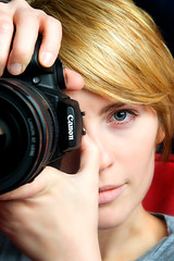 Amanda the Photographer (fensterbme) Tags: woman amanda 20d lens canonrebelxt studiolighting 2470mm photogear fensterbme canon2470mm canonllens canon2470mmf28l amandahandk