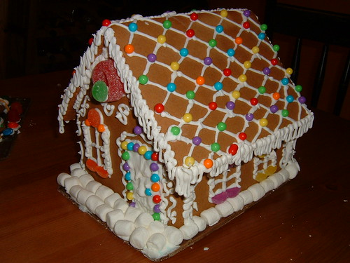 2006 Holiday craft: Carrie's gingerbread house by carrievision.
