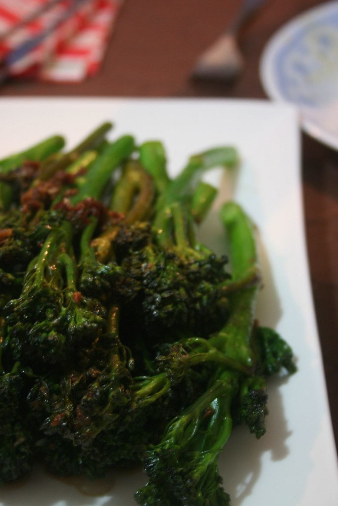Broccolini side