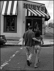 Hueys on Madison Ave. (0zzie) Tags: blackandwhite bw set memphis bodylanguage bn zack ozzie 0z sr113 memphistennessee 0zzie 0670colora zackjennings memphisset