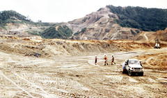 Misima Gold (Mangiwau) Tags: ocean new sea island gold islands bay guinea pacific south laut american dome mines png papua hagen ebony placer milne islanders anglo portmoresby goldmine rabaul wau goldfields madang goroka pacifique barrick lae opencut guinee oceanie woodlark pasifik newmont alotau morobe papouasie papouasienouvelleguinee newcrest misima epithermal louisade nouvelleguinee trobiand trobiands misimans