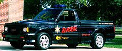 Sheriff's D.A.R.E. Vehicle (Eric of Lyon) Tags: pickup dare sheriff gmc drugabuseresistanceeducation syclone drugawareness graphicknightcom ericschernenkoff
