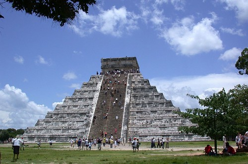 Messico - Piramide di ChichénItza - 2002