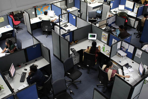 India turns away from expats to home-grown talent