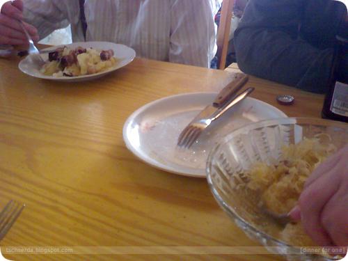 gselchtes essen und kaffee trinken bei opa