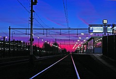 Dawn on railway station at 07:17 (henx fotojam) Tags: sunrise dawn rijen