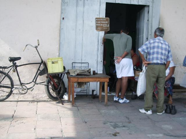 Cuba: fotos del acontecer diario - Página 6 402627400_7eace09e1c_o