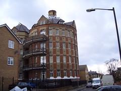 Camberwell - big round flats