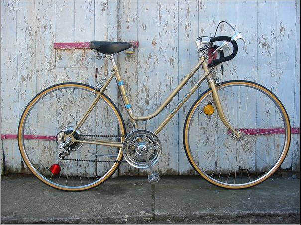 Nobokenite's Old Nishiki 10-Speed