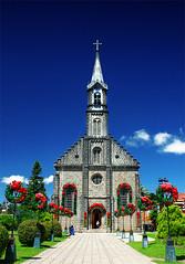 Igreja So Pedro - Gramado (Omar Junior) Tags: blue red color verde green colors