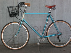 61cm Rivendell Bleriot left side (cyclotourist) Tags: california redlands brooks bleriot rivendell 650b bluebike ibobbike