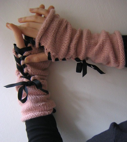 lace up gloves 3