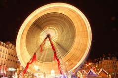 grande roue (Liseo) Tags: light france grande nikon europe lumire lille janvier nord 59 2007 roue d40