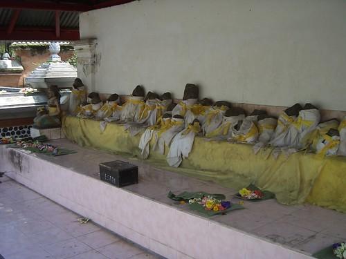 2006 04 05126 Indonesia - Lombok - Pura Lingsar
