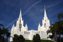 San Diego Mormon Temple (Thad Roan - Bridgepix) Tags: blue sky white tower church statue architecture temple sandiego lajolla spire palmtree wikipedia mormon 200612 skyarchitecture ultimateshot