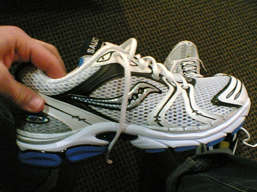cameraphone shoes running saucony