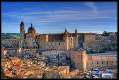 Urbino, la citt ducale (otrocalpe) Tags: italy university italia erasmus universit urbino palazzo tempo pesaro hdr marche ducale pu citt medioevo montefeltro impressedbeauty otrocalpe