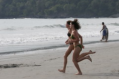 playa-manuel-antonio-costa-rica-people_01 (mikebaird) Tags: ladies girls people beach water sand women costarica waves playa running bikini manuelantonio swinsuit mikebaird bairdphotoscom