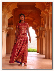 Hampi. Lotus Mahal (**luisa**) Tags: red woman 6 india interestingness asia scout top10 karnataka hampi feb8 lotusmahal abigfave
