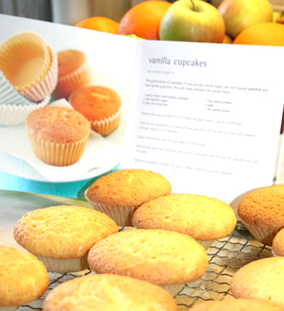 cupcakes-before-icing