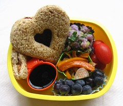 Speedy sandwich lunch for toddler