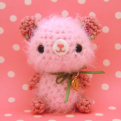 Amigurumi Pink rose bear with heart charm