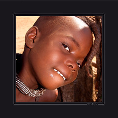 Cabotinage >1 (KraKote est KoKasse.) Tags: africa portrait people southafrica african culture tribal safari afrika tribe ethnic namibia tribo 30x30 himba afrique ethnology tribu namibie tribus ethnie krakote nearnet maselection nehayet nemmarsup forcont wwwkrakotecom ©valeriebaeriswyl