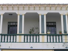 New Zealand - Napier (Chris&Steve) Tags: newzealand architecture 1932 island 1930s arquitectura v100 architectural southpacific northisland napier aotearoa p150 emersonstreet emersonst 10millionphotos countyhotel spanishmissionstyle artdecotown colensohouse aewilliams