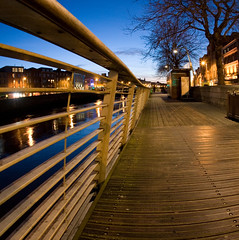 Liffey Boardwalk (C) 2007