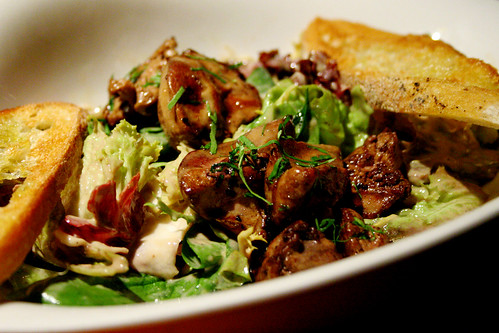 Fresh seasonal salad with sauted chicken liver