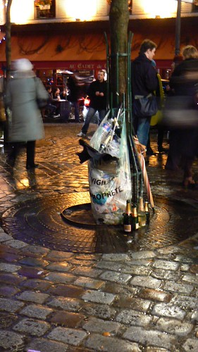 Paris - Place du Tertre, neat trash receptacle on New Year's Eve