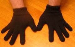 2 gloves