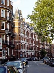 DSC00531 Cadogan Gardens London SW1 (londonconstant) Tags: uk england brick london architecture britain united great kingdom gb bond brickwork sw1 cadogangardens costi citytrees citytree brickandstone cadoganestate londonconstant