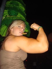 Cindy with cigar (hansk01) Tags: female muscle fbb cindyphillips