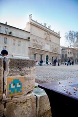 Avignon - Sur la place devant le Palais des Papes_b.jpg