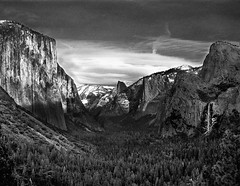 Day2- Yosemite the beautiful (inanutshell) Tags: california ca bw d50 geotagged nikon bravo sigma halfdome yosemitenationalpark shamik elcapitan bridalveilfalls breathtaking inspiring yosemitevalley impatience tunnelview 1850f28 californiadreaming inanutshell isawyoufirst wishtheweatherhadbeenbetter personalpostprocessingrecord andstillcouldntgetittolookthewayiwantitto theyactuallyhaveamountainpeakinthesierrasnamedmtanseladams geo:lat=3772728 geo:lon=119608154