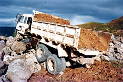 Brake failure (Mangiwau) Tags: new truck gold islands guinea mine pacific accident south png papua hagen seas portmoresby rabaul wau melanesia madang goroka pacifique lae guinee niugini oceanie alotau morobe papouasie papouasienouvelleguinee bulolo biangai nouvelleguinee