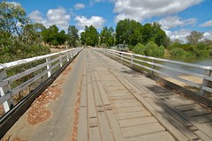 bridge (looking towards Melbourne) (yewenyi) Tags: wood bridge australia victoria deck vic aus murrayriver fallingapart oceania wodonga auspctagged northeastvictoria highway31 pc3689 wineandhighcountry pc3690 wodongaruralcity wodongacitycouncil cityofwodonga murrayrivervalley