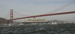 The Queen Under the Gate (louv) Tags: sanfrancisco twist qm2 queenmary2 oceanliner ferfer