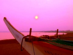 sundown (totomai) Tags: pink sunset japan boat solitude peace sundown enoshima tranquil challengeyouwinner abigfave aplusphoto superhearts