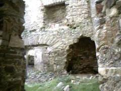 clifden castle 4 (Niamhg) Tags: ireland castle landscape nikon cliffs connemara cliffsofmoher niamh rollinghills clifden sleahead d80 connorspass nikond80
