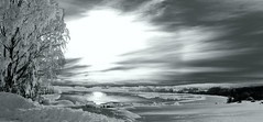 Solar effect (B&W version) (Krogen) Tags: bw norway photoshop norge blackwhite olympus c7070 nes akershus romerike krogen