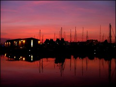 Ipswich this evening (Simon_K) Tags: beautiful port docks suffolk waterfront lovely1 urbandecay quay wharf docklands ipswich urbanrenewal wetdock eastanglia quayside inthenews urbanwasteland ipswichdocks ransomes neptunequay orwellquay wherryquay felawstreetmaltings fairlineyachts regattaquay tapophilia cliffquay