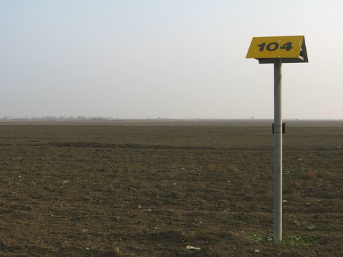 104km point on the BTC Gas Pipeline, Azerbaijan / BTCパイプラインの104km時点(アゼルバイジャン)