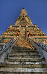 Stairway to Heaven (DanielKHC) Tags: thailand temple heaven bangkok sony stairway alpha wat hdr arun a100 photomatix tonemapped sigma18200mm 5xp danielcheong hdrenfrancais danielkhc